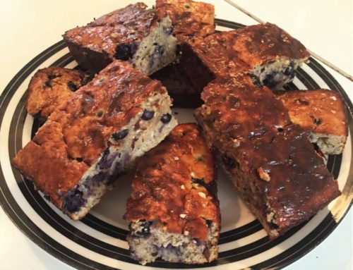 'Clean' post-workout oats & blueberry protein bar recipe