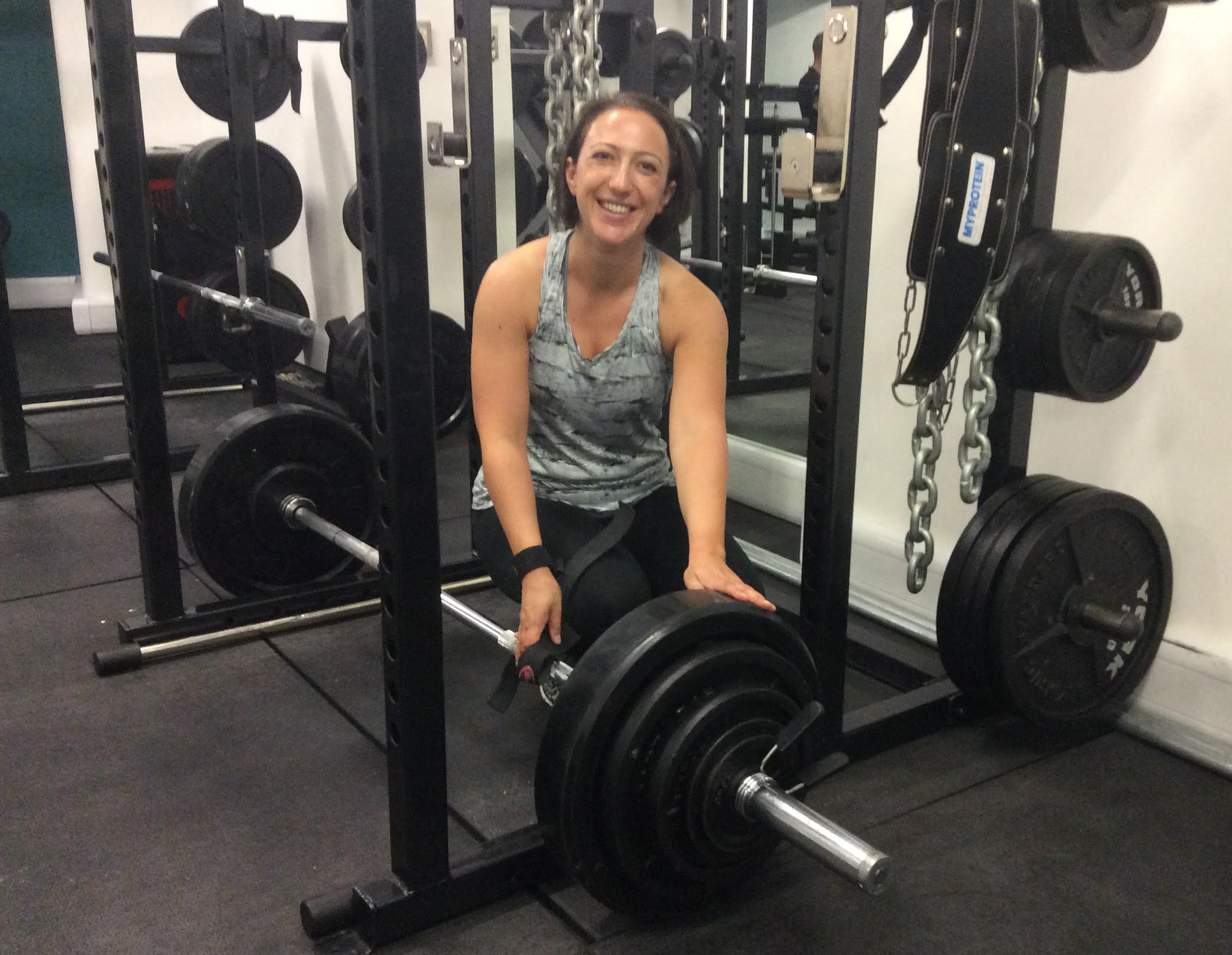 the-fitting-rooms-personal-training-client-laura-deadlifts